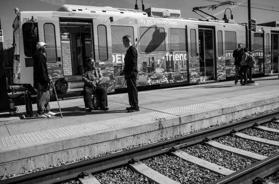 activity_riding_the_light_rail-3