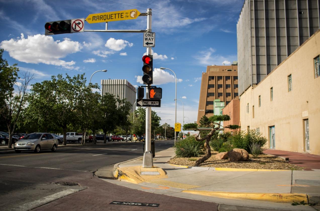 j_nix_roadtrip_newmexico_abq_urban_landscape
